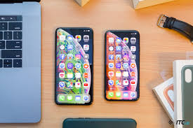 tchem-otlitchaetsya-apple-iphone-xs-max-ot-apple-iphone-xs
